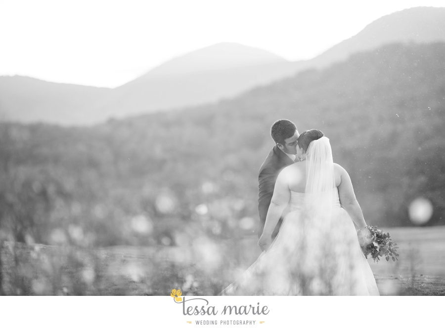 young_harris_wedding_outdoor_mountain_fall_wedding_Brasstown_valley_resort_wedding_pictures_0062