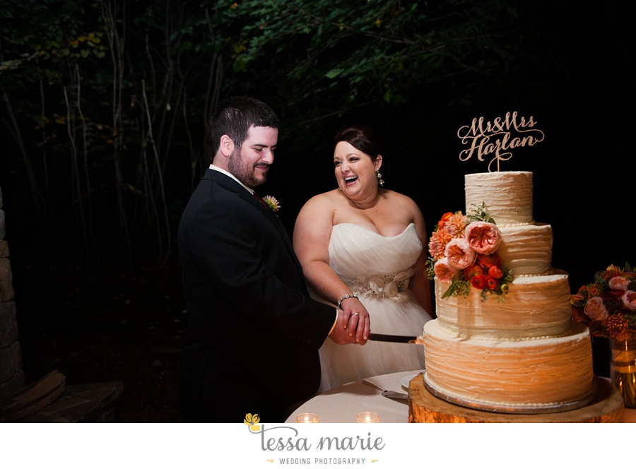young_harris_wedding_outdoor_mountain_fall_wedding_Brasstown_valley_resort_wedding_pictures_0093