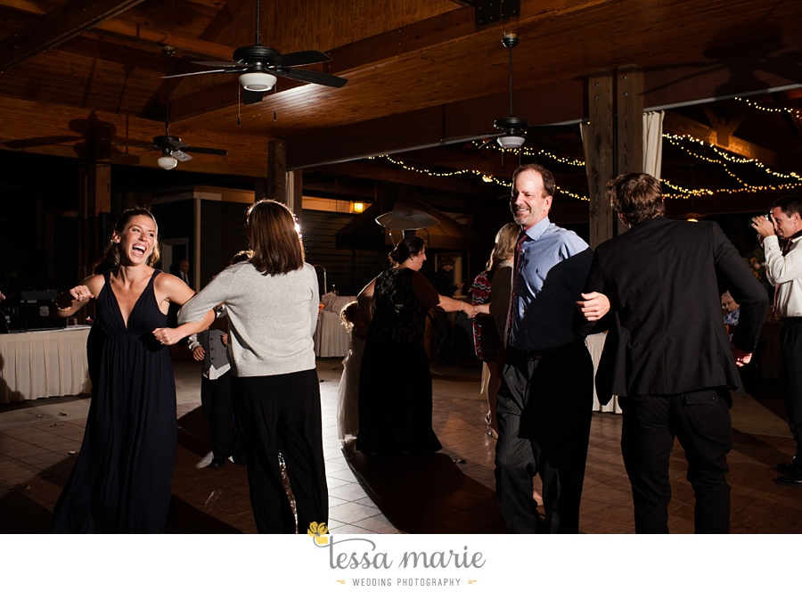 young_harris_wedding_outdoor_mountain_fall_wedding_Brasstown_valley_resort_wedding_pictures_0095
