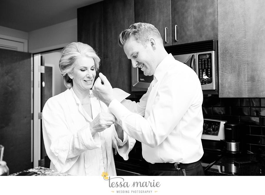 24_tessa_marie_weddings_emotional_moments_photography_king_low_wedding_sam_neil_best_atlanta_wedding_photographer