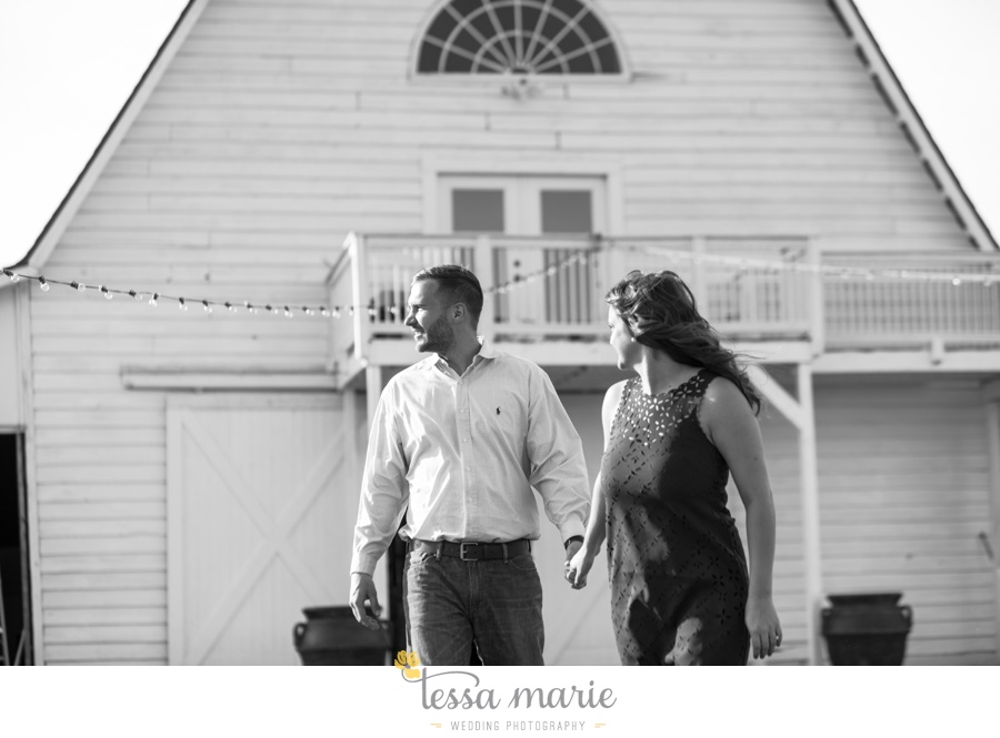 sweet_meadow_farm_engagement_pictures-0001