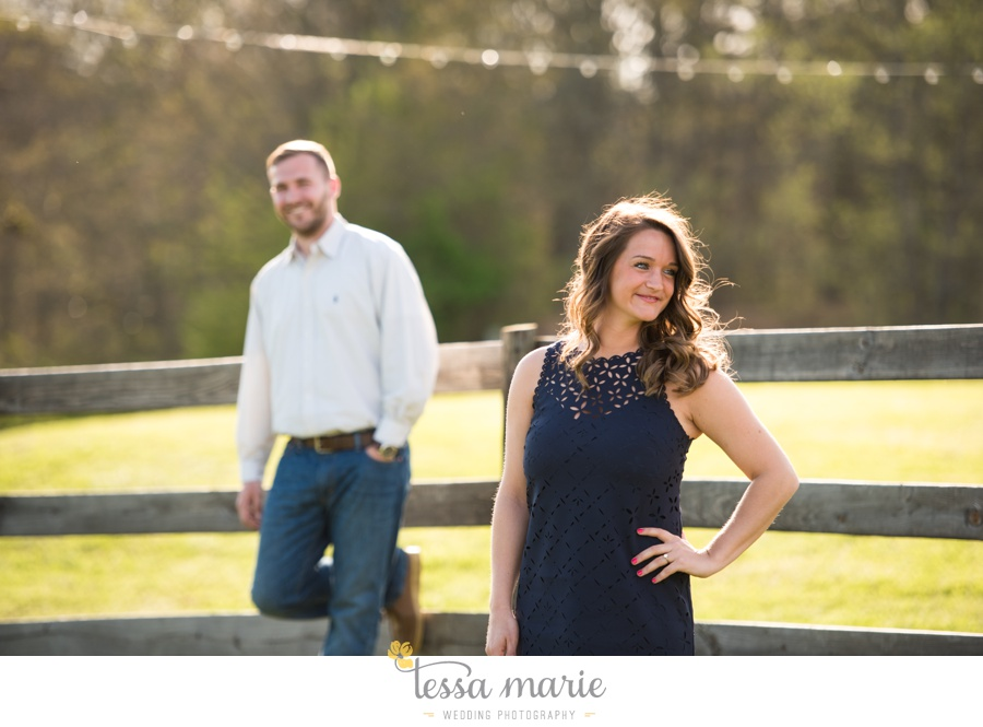 sweet_meadow_farm_engagement_pictures-0003