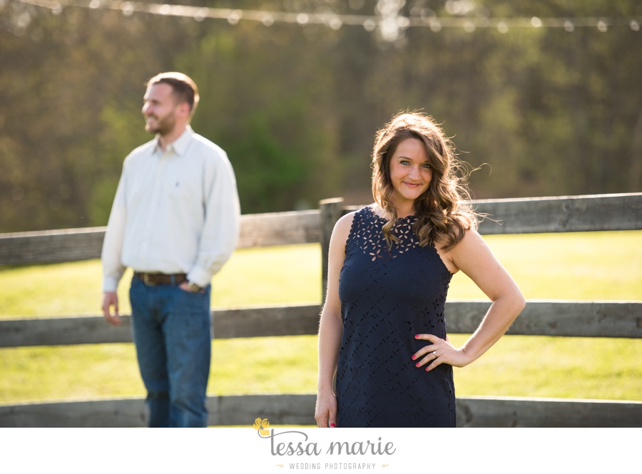 sweet_meadow_farm_engagement_pictures-0004