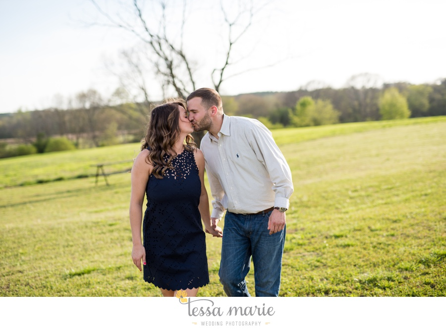 sweet_meadow_farm_engagement_pictures-0031