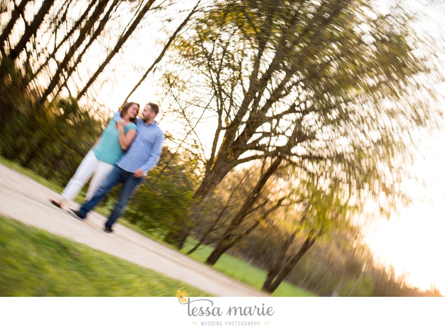 sweet_meadow_farm_engagement_pictures-0073