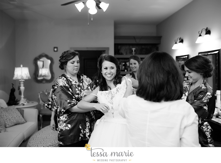 indigo_falls_wedding_pictures_tessa_marie_Weddings_atlantas_finest_catering_Wedding_Angels_honeymoon_bakery_0018