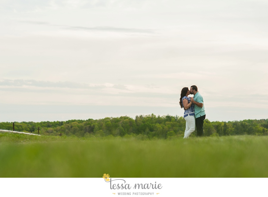 montaluce_engagement_pictures_session_tessa_marie_weddings_0023