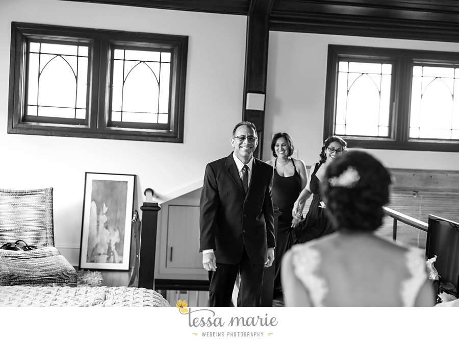 savannah_destination_wedding_photographer_wormsole_elopement_tessa_marie_weddings_essence_of_australia_gown_0034