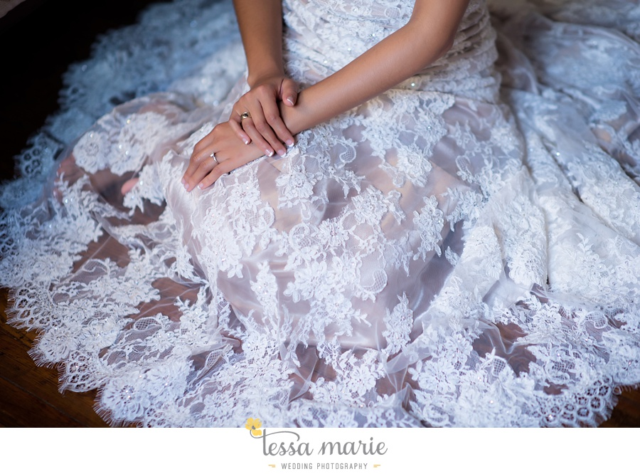 savannah_destination_wedding_photographer_wormsole_elopement_tessa_marie_weddings_essence_of_australia_gown_0037