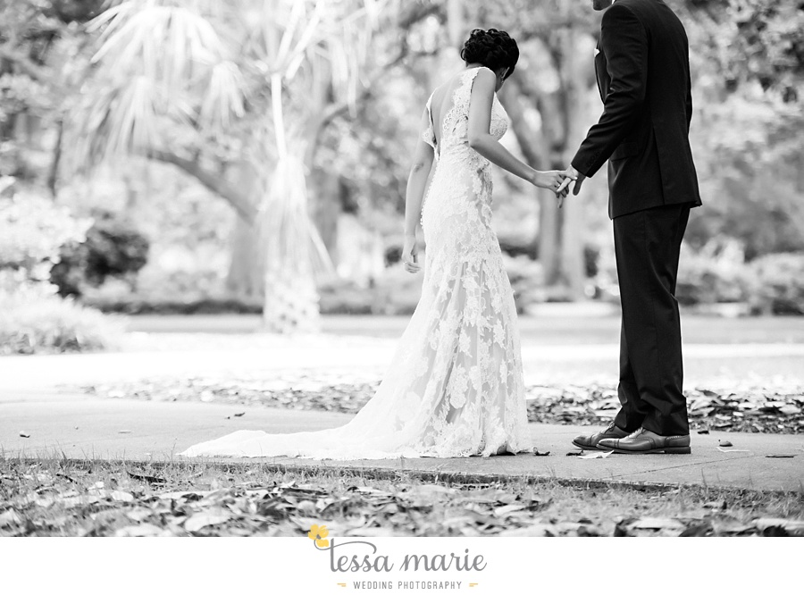 savannah_destination_wedding_photographer_wormsole_elopement_tessa_marie_weddings_essence_of_australia_gown_0044