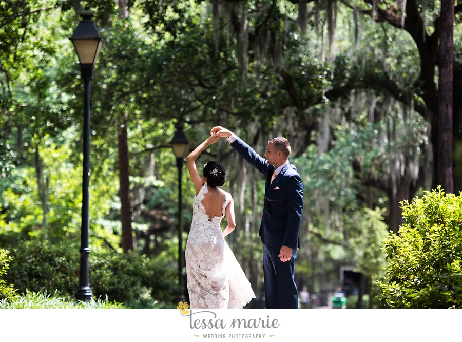 savannah_destination_wedding_photographer_wormsole_elopement_tessa_marie_weddings_essence_of_australia_gown_0060