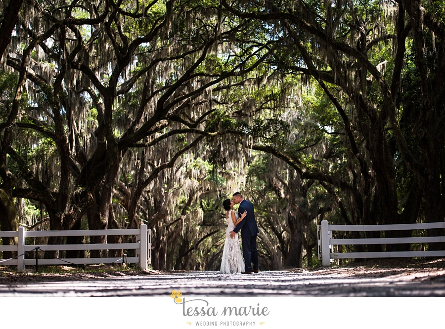 savannah_destination_wedding_photographer_wormsole_elopement_tessa_marie_weddings_essence_of_australia_gown_0077