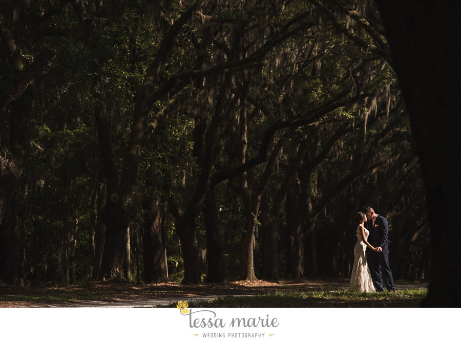 savannah_destination_wedding_photographer_wormsole_elopement_tessa_marie_weddings_essence_of_australia_gown_0115