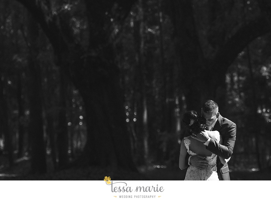 savannah_destination_wedding_photographer_wormsole_elopement_tessa_marie_weddings_essence_of_australia_gown_0121