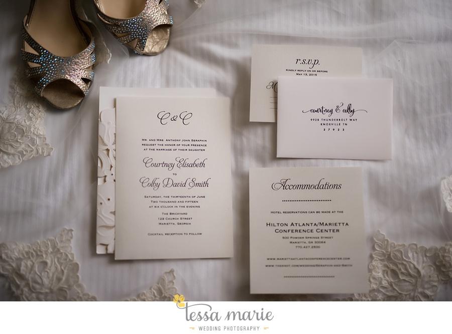 brickyard_marietta_wedding_pictures_tessa_marie_weddings_bouaktes_0005