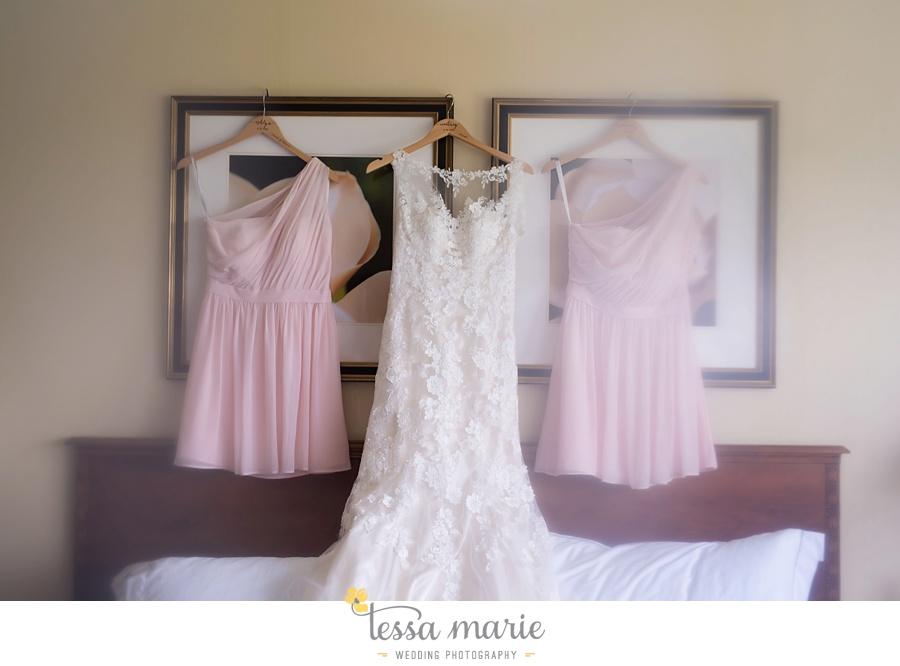 brickyard_marietta_wedding_pictures_tessa_marie_weddings_bouaktes_0009