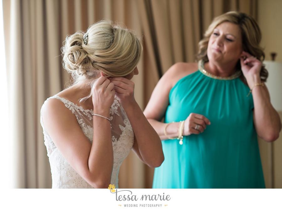 brickyard_marietta_wedding_pictures_tessa_marie_weddings_bouaktes_0024