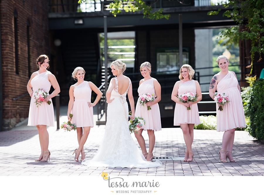 brickyard_marietta_wedding_pictures_tessa_marie_weddings_bouaktes_0060