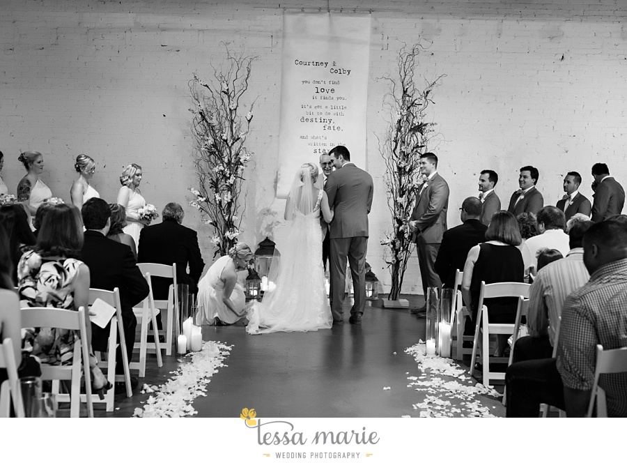 brickyard_marietta_wedding_pictures_tessa_marie_weddings_bouaktes_0087