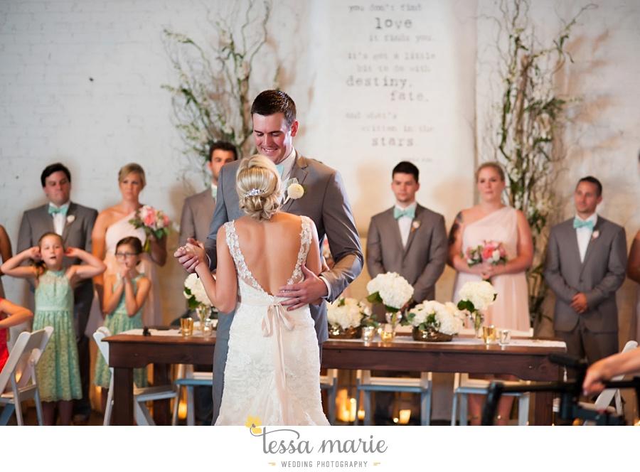 brickyard_marietta_wedding_pictures_tessa_marie_weddings_bouaktes_0102