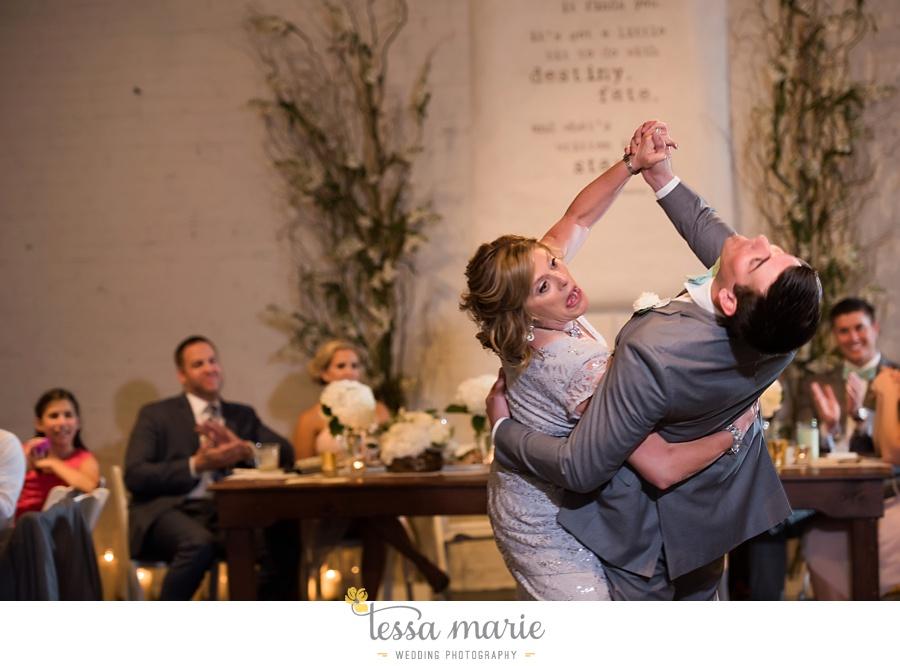 brickyard_marietta_wedding_pictures_tessa_marie_weddings_bouaktes_0119