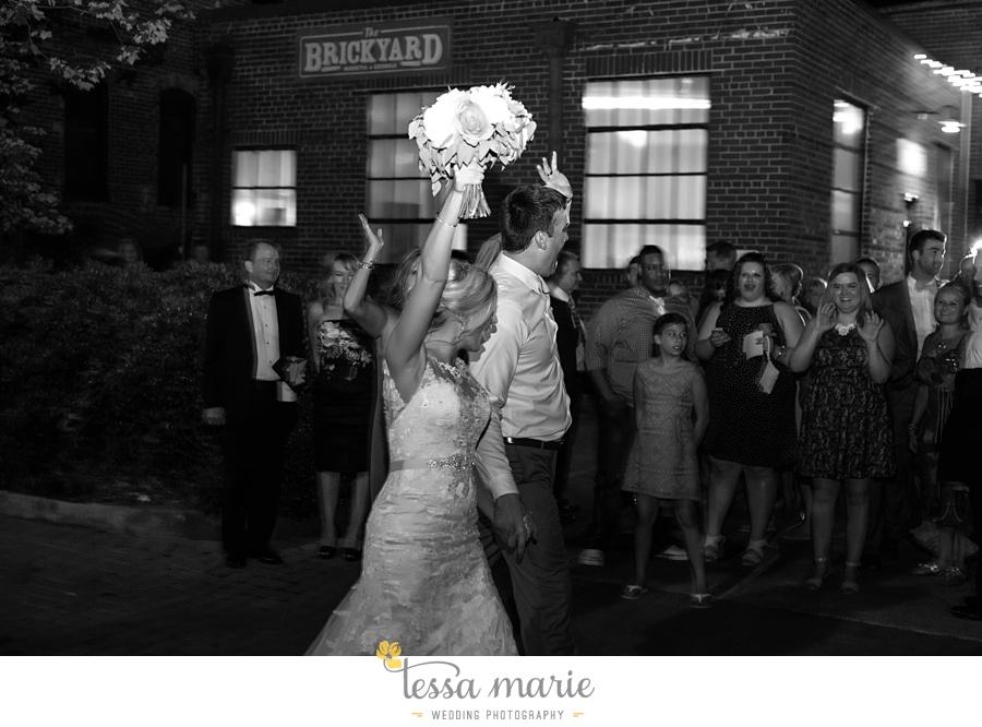 brickyard_marietta_wedding_pictures_tessa_marie_weddings_bouaktes_0133
