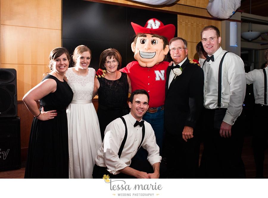 253_lauren_matthew_nebraska_wedding_pictures