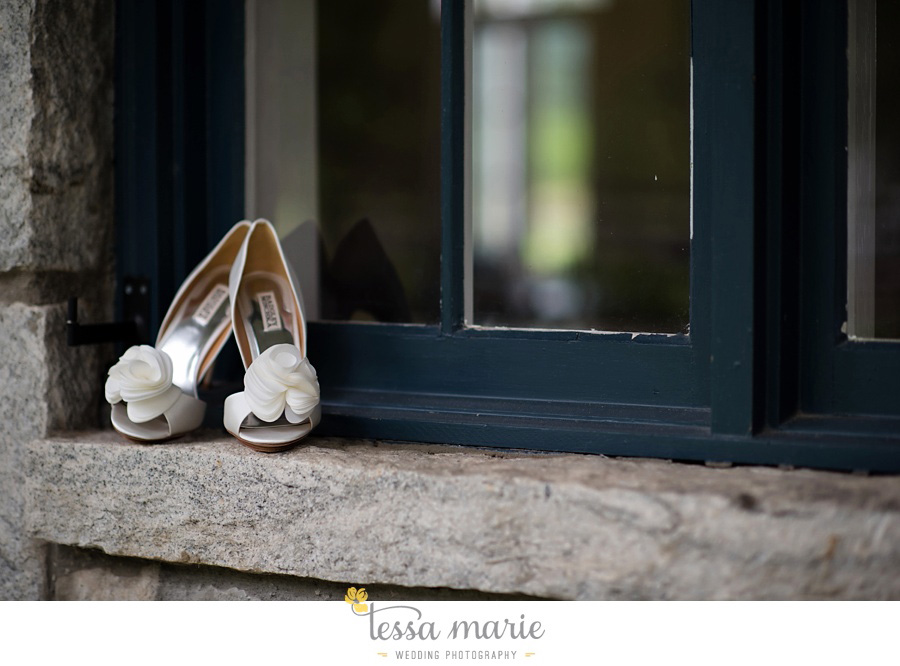 foxhall_outdoor_stables_wedding_candid_moments_tessa_marie_weddings_rittenhouse_design_a_fab_event_0006
