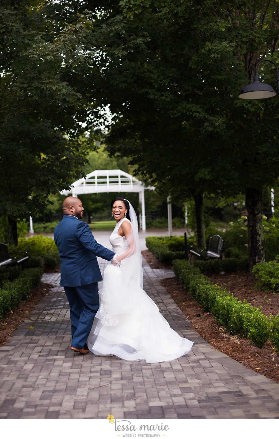 foxhall_outdoor_stables_wedding_candid_moments_tessa_marie_weddings_rittenhouse_design_a_fab_event_0085