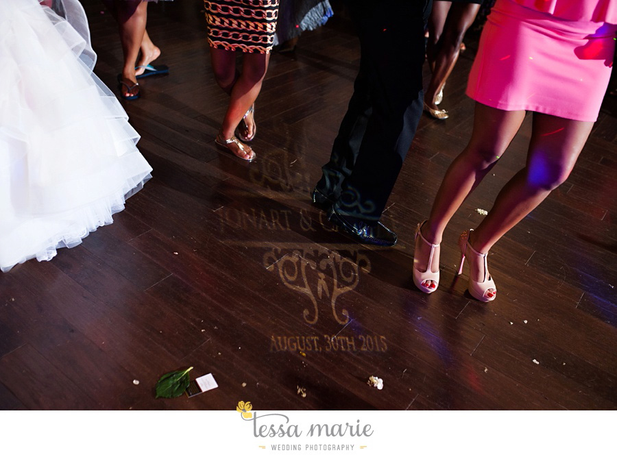 foxhall_outdoor_stables_wedding_candid_moments_tessa_marie_weddings_rittenhouse_design_a_fab_event_0121