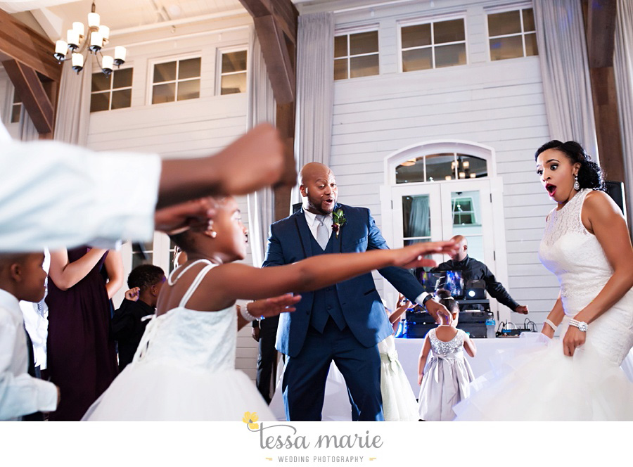 foxhall_outdoor_stables_wedding_candid_moments_tessa_marie_weddings_rittenhouse_design_a_fab_event_0122