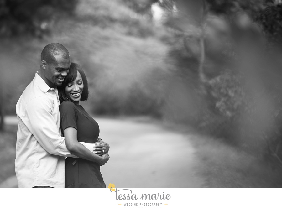 lullwater_park_engagement_pictures_candid_moments_tessa_marie_weddings_0004