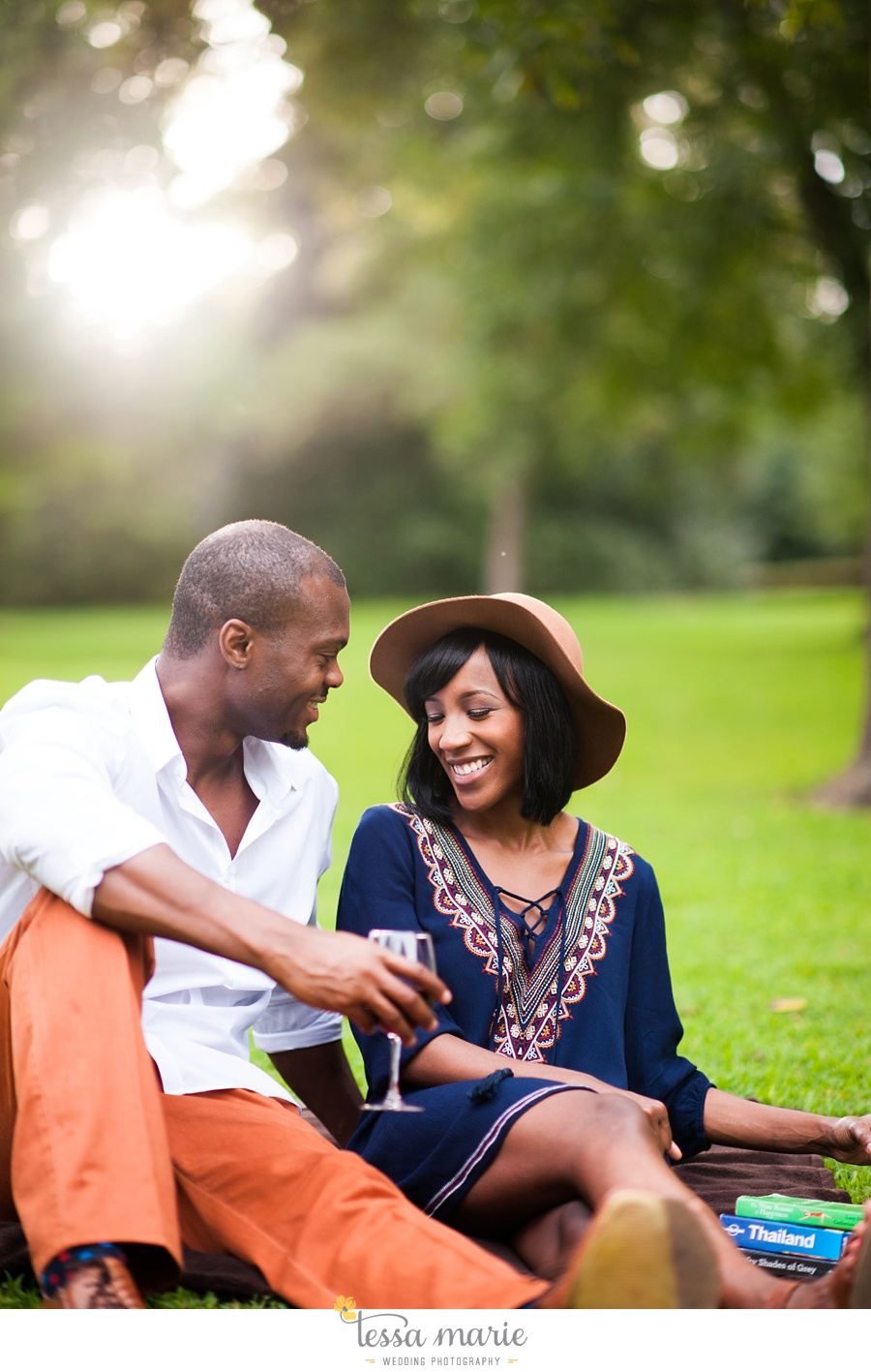 lullwater_park_engagement_pictures_candid_moments_tessa_marie_weddings_0007