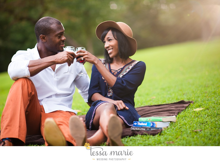 lullwater_park_engagement_pictures_candid_moments_tessa_marie_weddings_0008