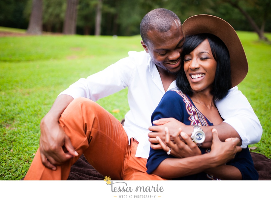 lullwater_park_engagement_pictures_candid_moments_tessa_marie_weddings_0012