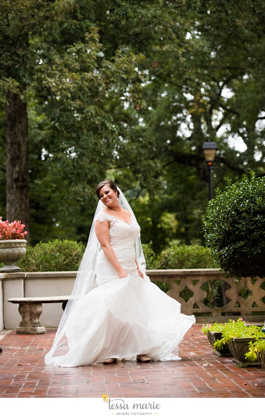 callanwalde_fine_arts_center_wedding_tessa_marie_weddings_outdoor_wedding_rainy_day_wedding_0028
