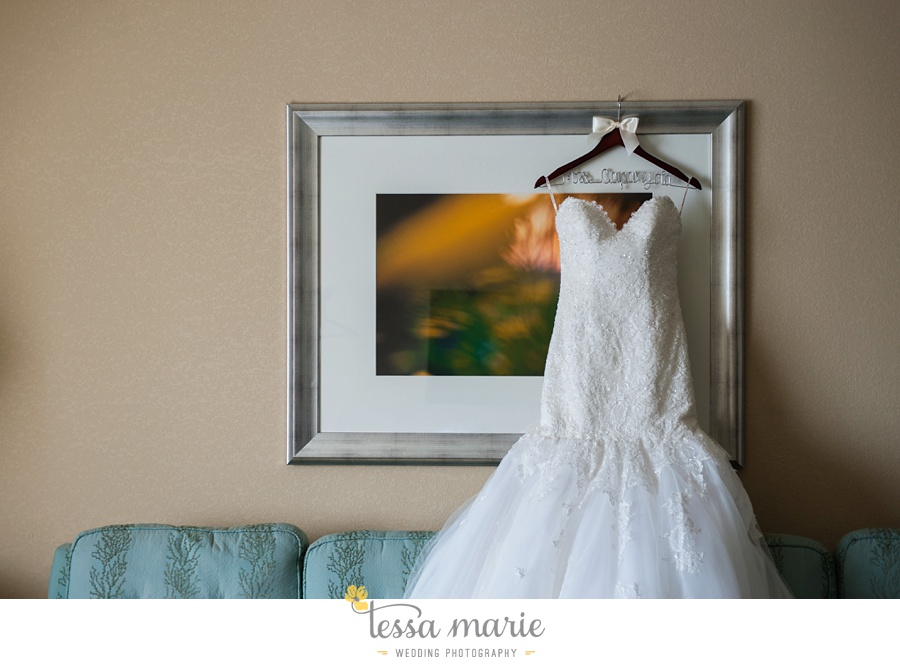 ventanas_wedding_pictures_tessa_marie_weddings_rainy_wedding_day_pictures_atlanta_skyline_wedding_0011