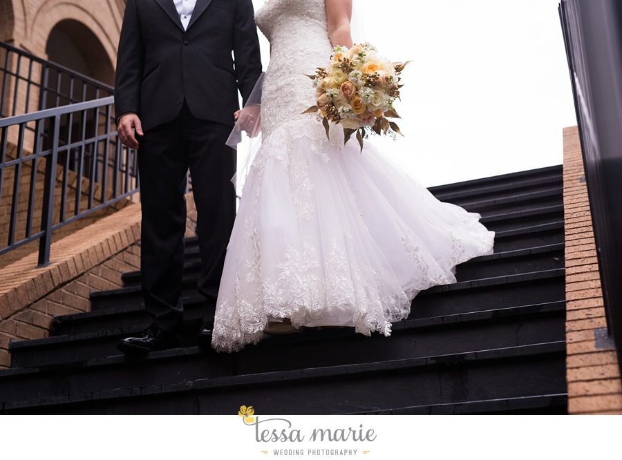 ventanas_wedding_pictures_tessa_marie_weddings_rainy_wedding_day_pictures_atlanta_skyline_wedding_0063