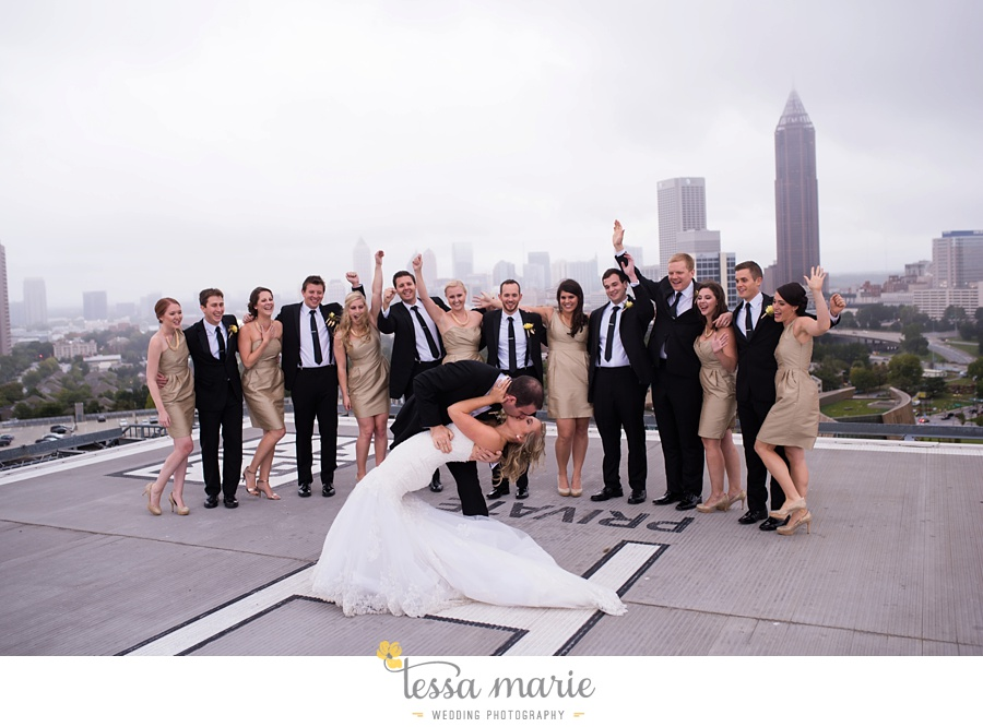 ventanas_wedding_pictures_tessa_marie_weddings_rainy_wedding_day_pictures_atlanta_skyline_wedding_0084