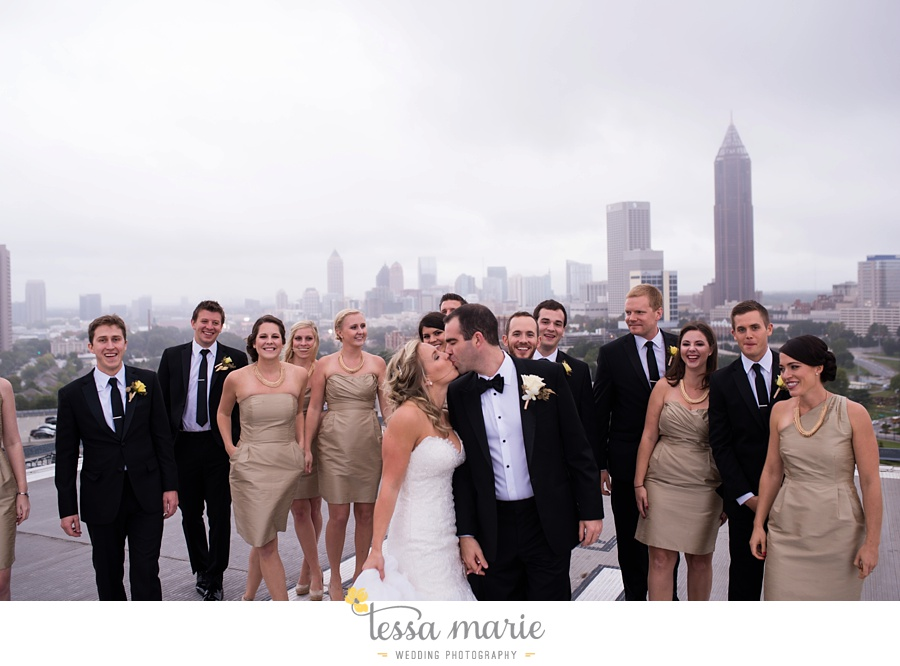 ventanas_wedding_pictures_tessa_marie_weddings_rainy_wedding_day_pictures_atlanta_skyline_wedding_0085