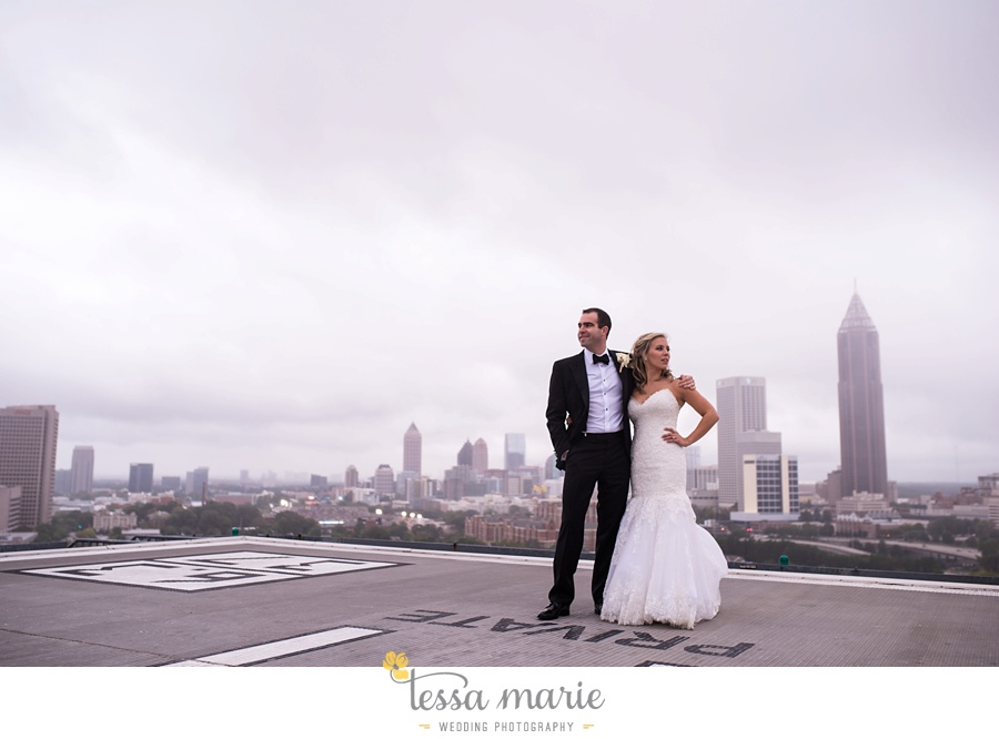 ventanas_wedding_pictures_tessa_marie_weddings_rainy_wedding_day_pictures_atlanta_skyline_wedding_0088