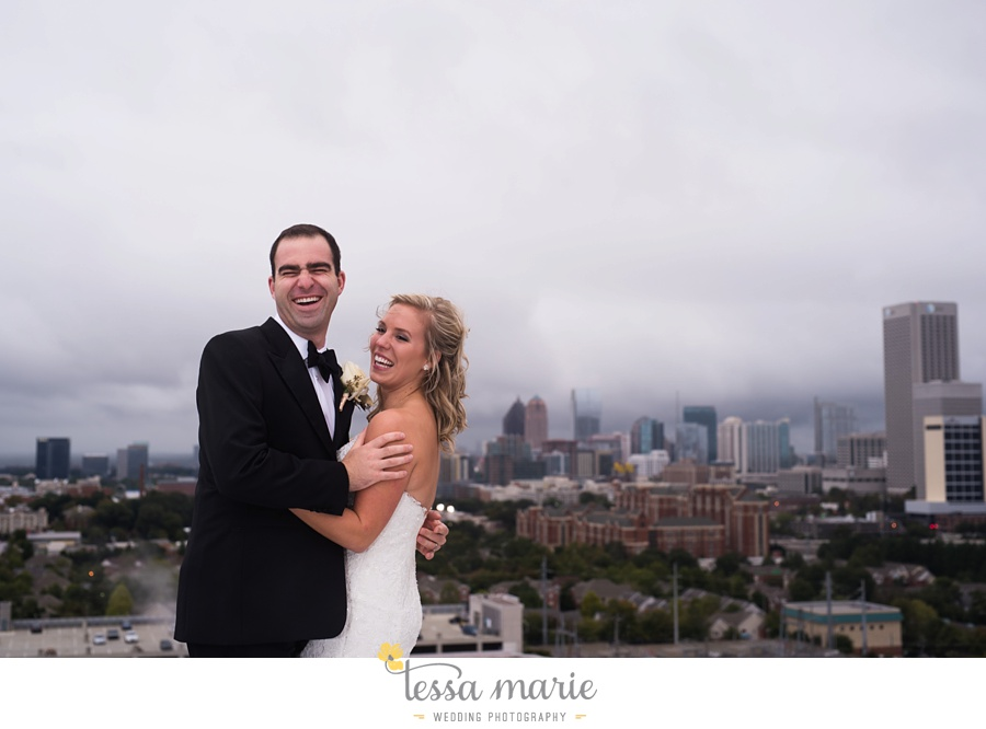 ventanas_wedding_pictures_tessa_marie_weddings_rainy_wedding_day_pictures_atlanta_skyline_wedding_0094