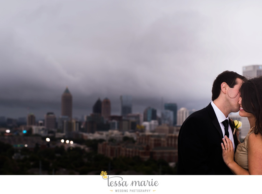 ventanas_wedding_pictures_tessa_marie_weddings_rainy_wedding_day_pictures_atlanta_skyline_wedding_0095