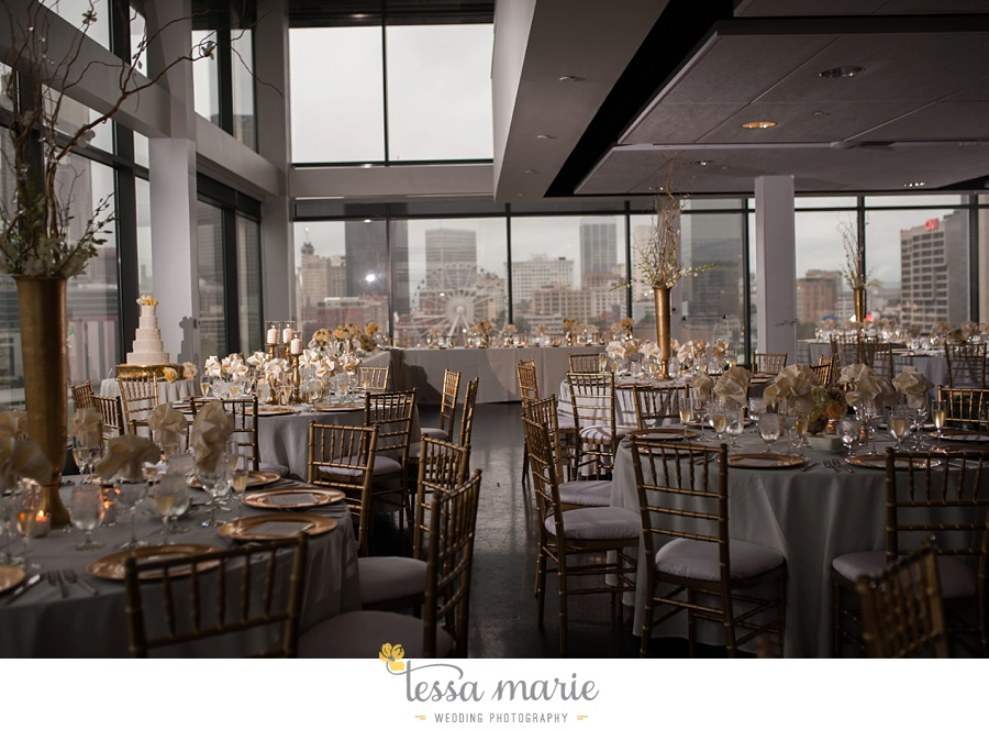 ventanas_wedding_pictures_tessa_marie_weddings_rainy_wedding_day_pictures_atlanta_skyline_wedding_0105