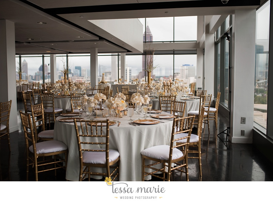 ventanas_wedding_pictures_tessa_marie_weddings_rainy_wedding_day_pictures_atlanta_skyline_wedding_0106