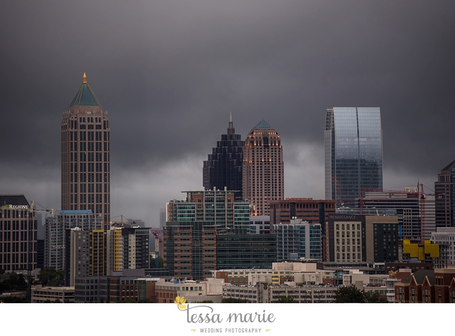 ventanas_wedding_pictures_tessa_marie_weddings_rainy_wedding_day_pictures_atlanta_skyline_wedding_0110