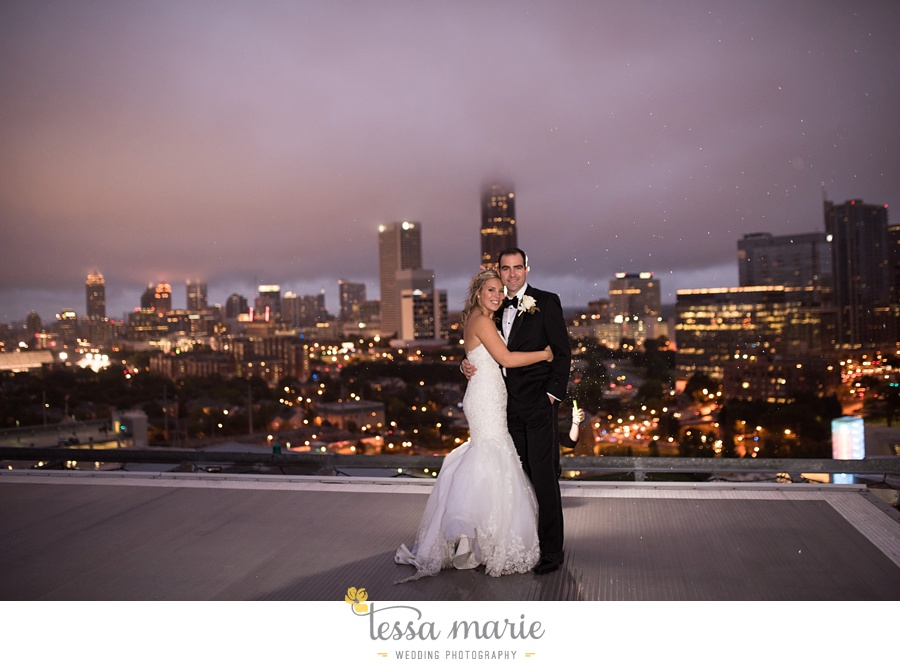 ventanas_wedding_pictures_tessa_marie_weddings_rainy_wedding_day_pictures_atlanta_skyline_wedding_0114