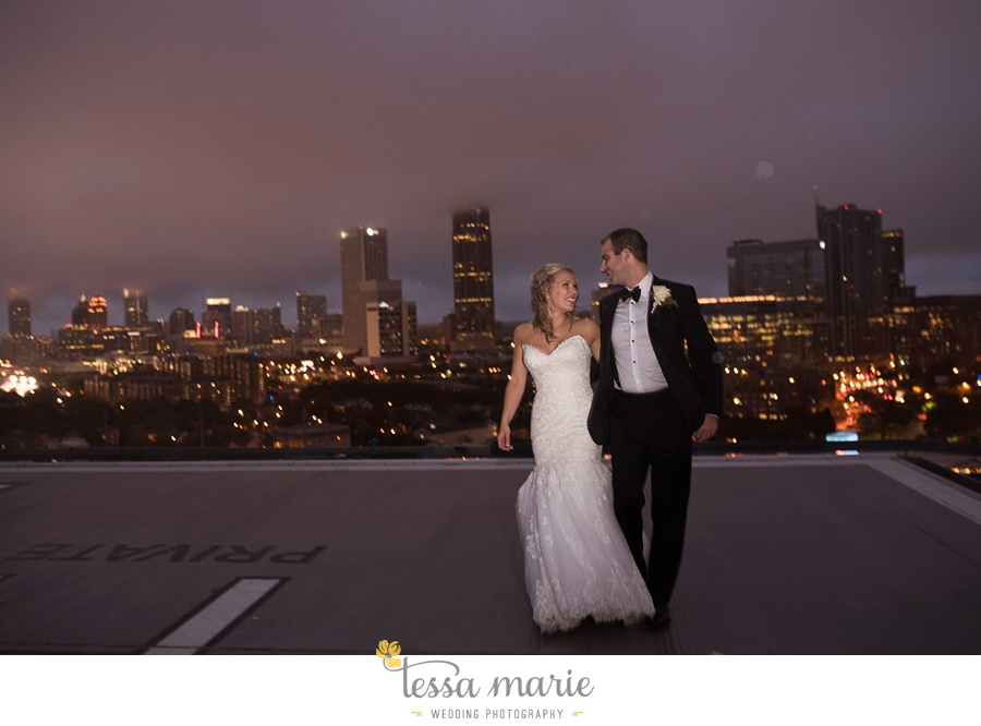ventanas_wedding_pictures_tessa_marie_weddings_rainy_wedding_day_pictures_atlanta_skyline_wedding_0117