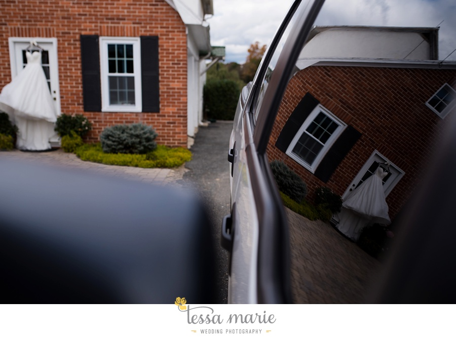 baltimore_outdoor_Wedding_pictures_fall_wedding_farm_wedding_tessa_marie_Weddings_0013