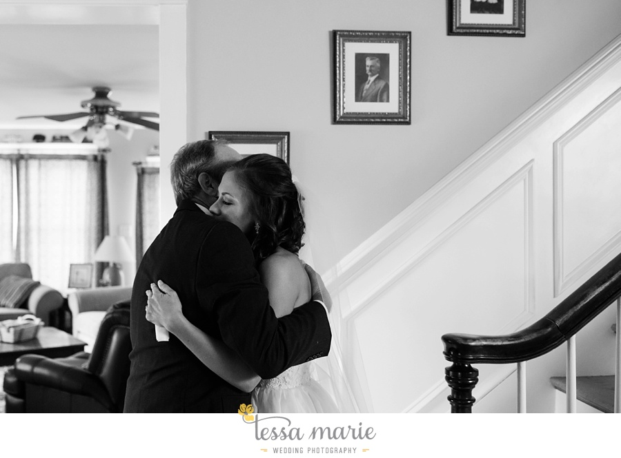 baltimore_outdoor_Wedding_pictures_fall_wedding_farm_wedding_tessa_marie_Weddings_0030